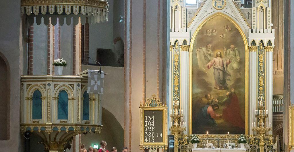 Turun tuomiokirkon alttaritaulu ja saarnatuoli